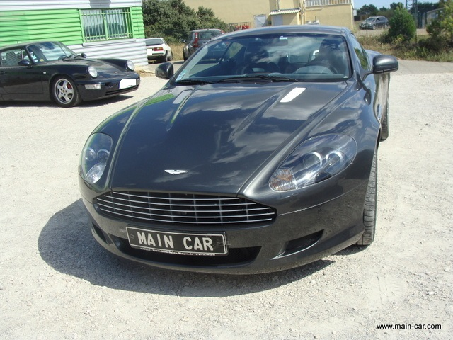 DB9 COUPE V12